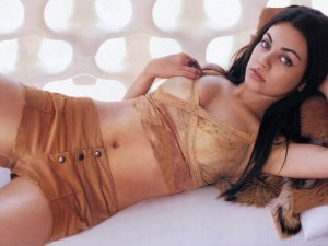 Mila-Kunis-Sexy-Wallpapers-1