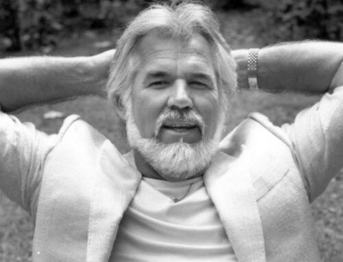 """The Gambler"" reigns again: Kenny Rogers at number one on country albums chart"