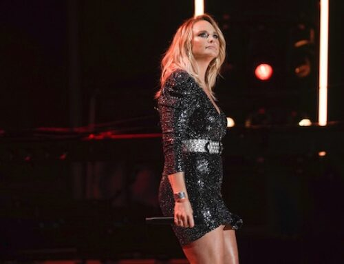 """It ended up in a place of just owning it"": Miranda Lambert goes behind the scenes on her 'Wildcard' album"