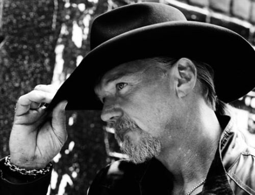 "In new video, Trace Adkins and band are ""Better Off"" social distancing"