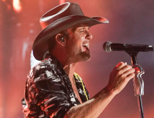 "Tim McGraw is getting more emotional with age: ""I can cry at commercials"""