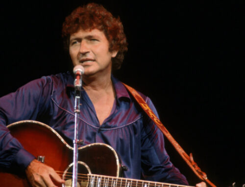 Singer, songwriter and actor Mac Davis dead at 78