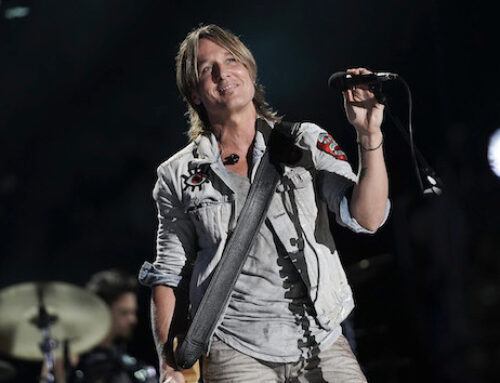 "Keith Urban's ""Say Something"" remembers his dad: ""I wanted to take it into a personal place"